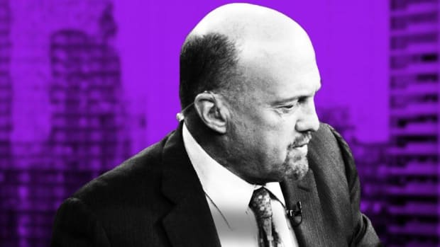 Video: Jim Cramer on Cisco, Walmart, World Wrestling Entertainment and PayPal