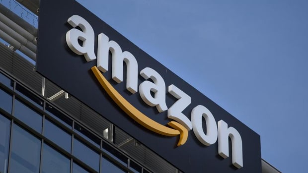 Amazon's Stock Is Acting Terribly -- Bruising Market Selloff Lurking?