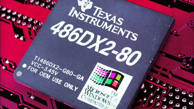 Texas Instruments - How to Trade It After Earnings Whiff