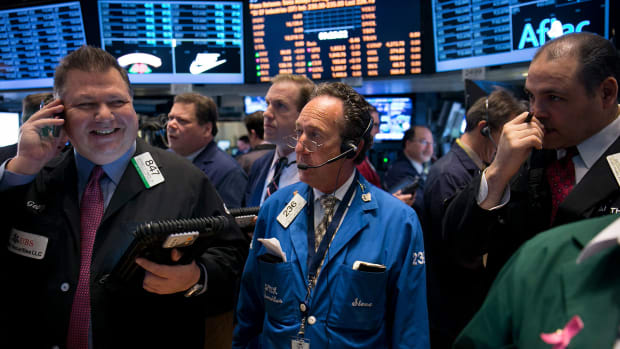 Dow Ends Above 28,000; Stocks at Records on Trade-Deal Hopes