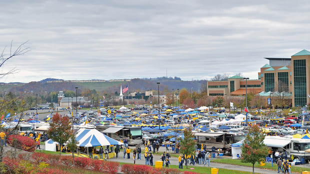 Everything You Need for Your Game Day Tailgating Party