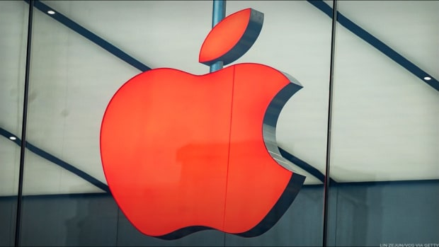 What Jim Cramer's Watching in Apple's Earnings Report