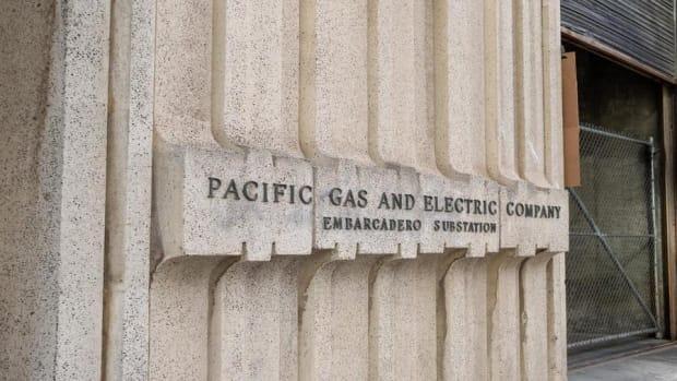 Jim Cramer Breaks Down the Unfolding Drama Over at PG&E