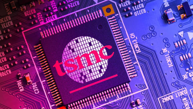 TSMC Boosts Q4 Revenue Forecast; Apple Supplier Sees Solid Smartphone Demand