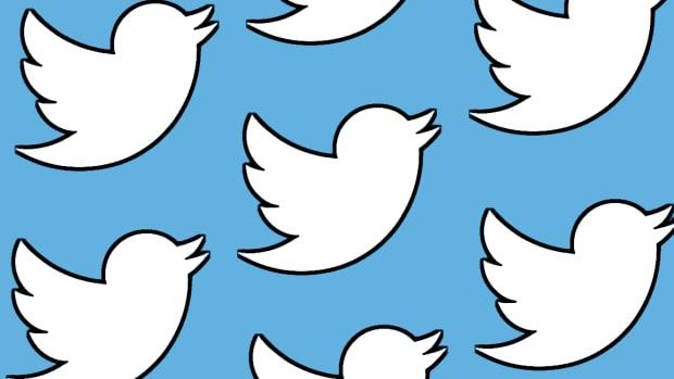 Twitter Is Signaling Buy as Earnings Loom