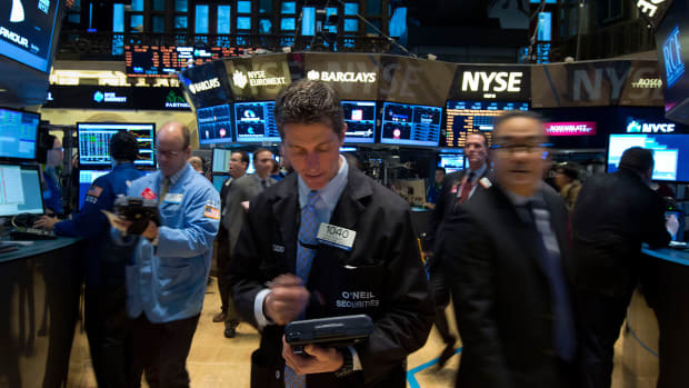 S&P Hits Record Close, Stocks Finish Higher on Fed Interest Rate Cut