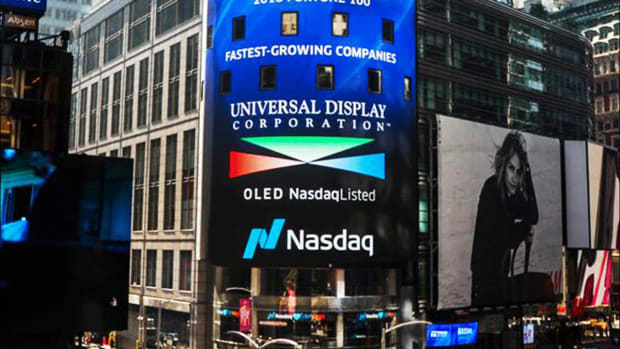 Universal Display Soars on Earnings Beat, Analysts' Praise