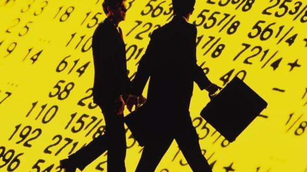 Stocks Hover Near Session Highs Ahead of Yellen Speech