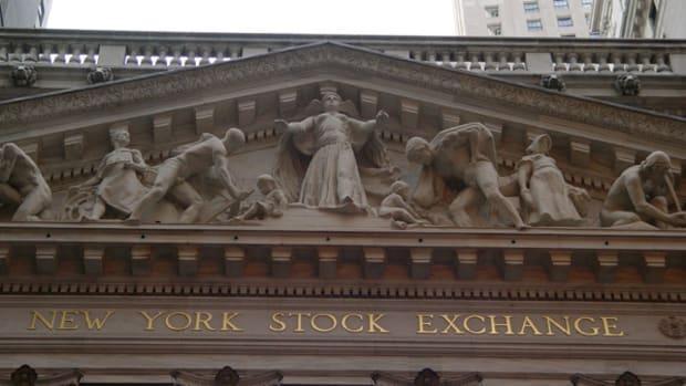 Top Insider Trades: HCA, TWO, LYB, ST