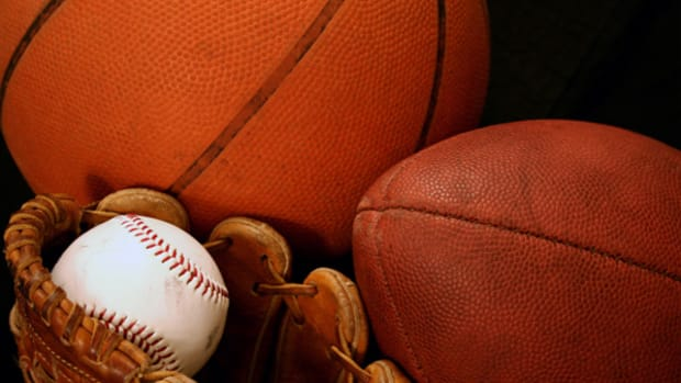10 Apps and Gadgets to Take Out to the Ballgame