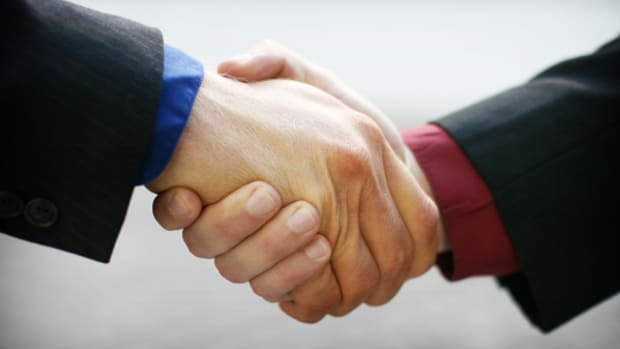 iiNet Favors TPG's $1.24 Billion Sweetened Offer Over M2's Matching Bid
