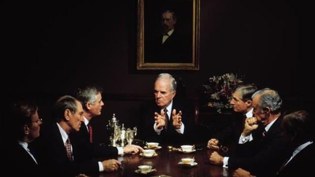5 Dividend Stocks Shoveling Cash to Shareholders in 2012