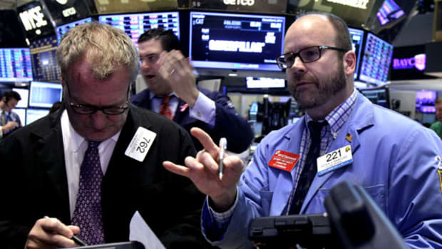 Market Hustle: Futures Lose Steam as Job Report Sorely Disappoints