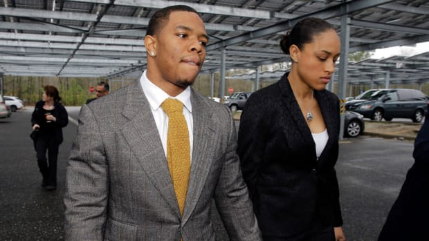 NFL Can Change Domestic Abuse Procedures After Ray Rice Incident