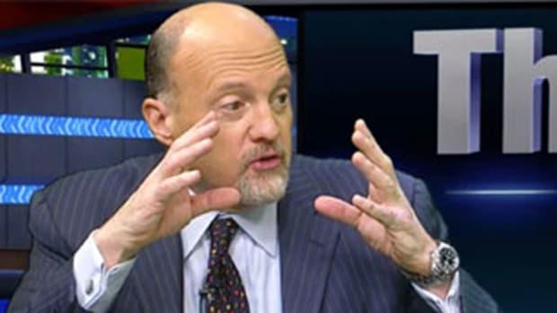 Cramer: 'Remarkable' Data From Regeneron, Amgen; Sees Edward Lifesciences Going Higher