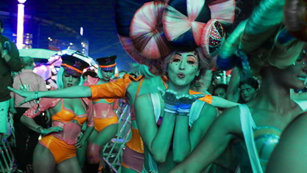 48 Photos From the Electric Daisy Carnival