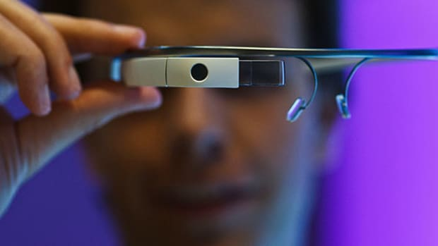 Google Glass Gets a New Boss