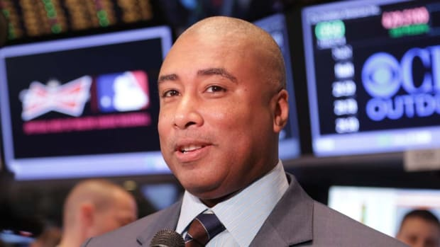 Exclusive: NY Yankee Bernie Williams Tells Players to Save Their Money