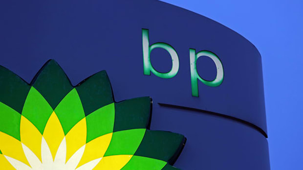 BP's Many Challenges Worsen the Effect of Oil Prices on Its Stock