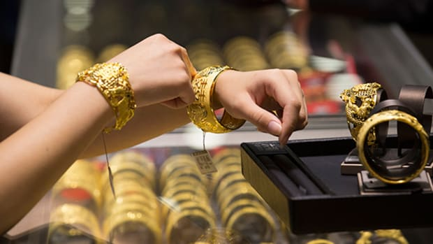 Will Gold Fields (GFI) Stock be Hurt by Weaker Gold Prices?