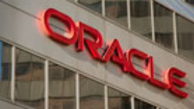 Software Firm Oracle Set to Report, but Beware of Cloud Headwinds