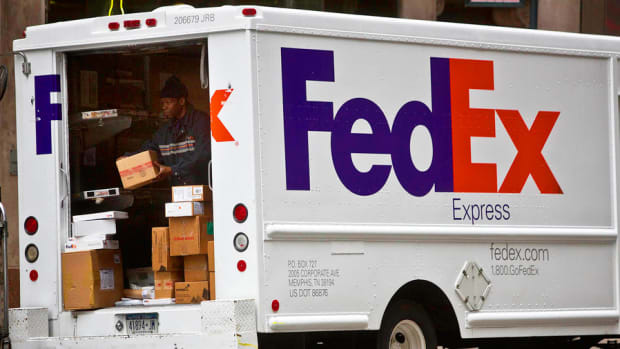 Fedex, UPS Introduce New Pricing Systems; Futures Markets Lower