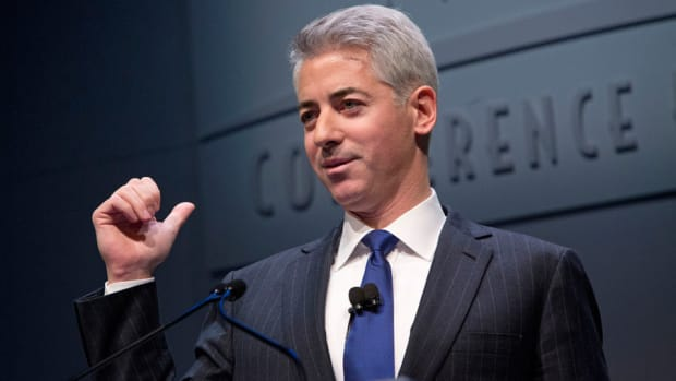 Bill Ackman Goes Corporate Raider Route Backing Valeant in Allergan Bid
