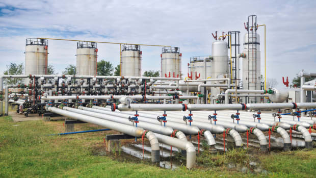 Surging Nat Gas Prices Helping E&P Players, Not Pipelines