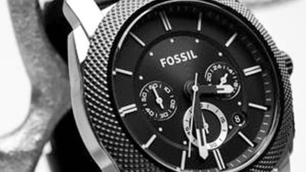 Fossil Shares Drop on Weak Outlook Despite Quarterly Earnings Beat