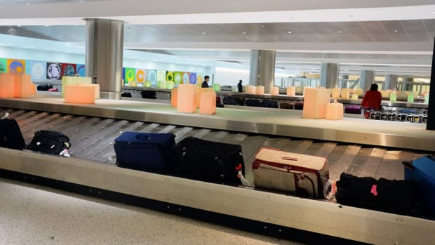 Baggage Fees Bring In More Than $3.5 Billion for U.S. Airlines