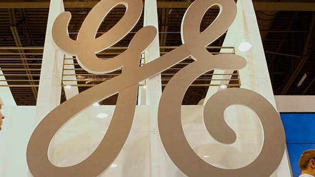 GE Files Registration for Credit Card IPO