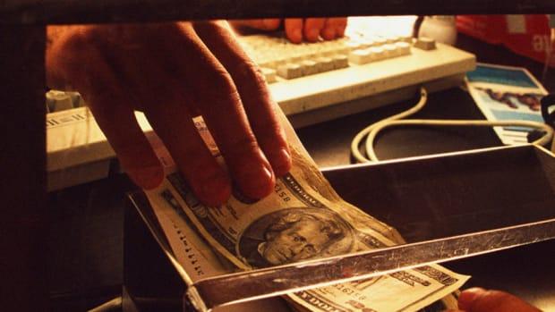 Stephanie Link: Regional Bank Stock Is My Latest Pick
