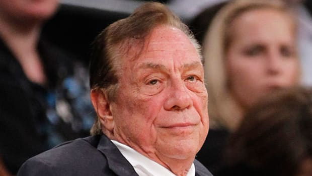 Sterling's Intransigence Heightens Pressure on Clippers' Sponsors