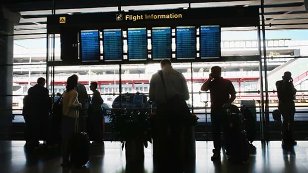 JPMorgan Upgrades Alaska but Says Airline Industry Outlook Dim Until Fourth Quarter