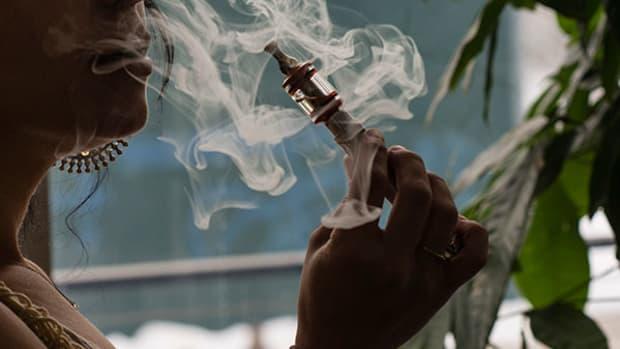 Vapor Smoking Device Could Spark Altria, Philip Morris Reunion