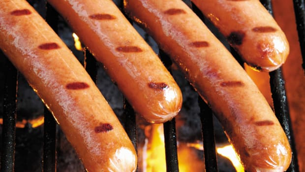 Playing Hot Dog Stocks Hilshire, Kraft for Memorial Day