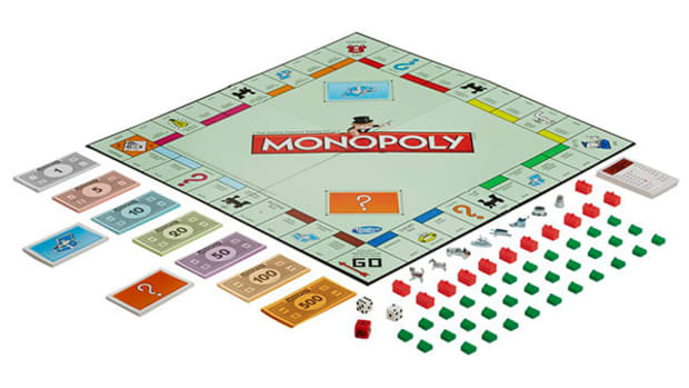 Bored Games? Not at All -- Why Monopoly and Scrabble Are Still Cool Holiday Gifts