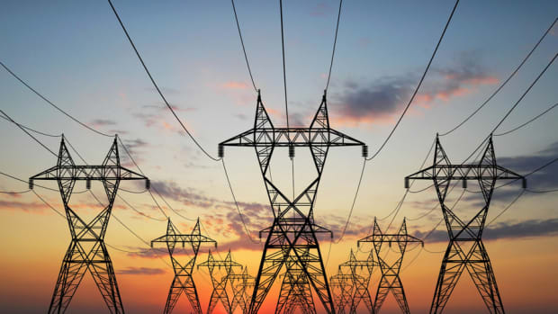 Cleco Shakes Up Utility Sector With Plan to Sell Itself After Bid