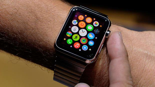 Apple Watch Eyes Medical Device Potential, Uber Tests Emergency Phone Number -- Tech Roundup