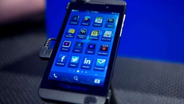 BlackBerry Misses Third Quarter Sales Expectations, Shares Tank