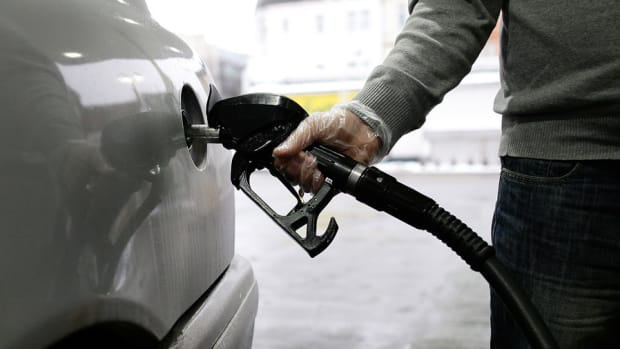 California Cities Consider Gas Pump Warning Labels About Climate Change