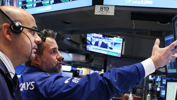 Stocks Slide After Two-Day Records, Small Caps and Tech Falter