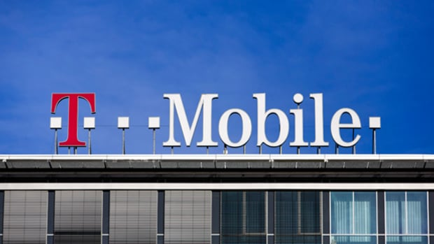 Here's T-Mobile's Latest Big Offer: Rolling Over Unused Data