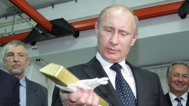 Why Russia's Gold Buying Binge Won't Stop the Ruble's Slide