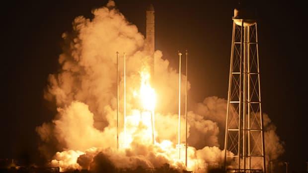 Orbital Sciences Trading Halted as Rocket Explosion Threatens Merger Plan, NASA Program