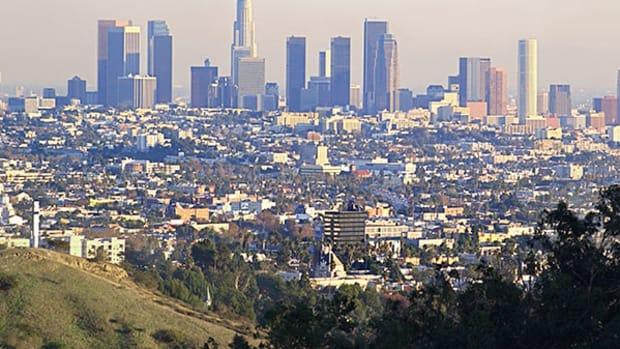 Earthquake Shakes Los Angeles