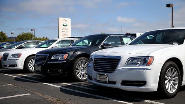 Fiat Chrysler (FCAU) Under Investigation by SEC, DOJ