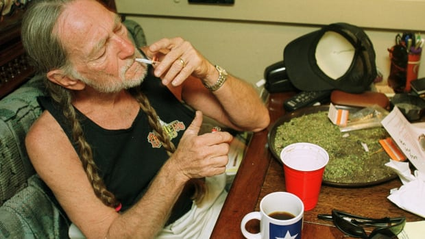 Cannabranding Is All The Rage As Willie Nelson Announces Entrance to Cannabiz