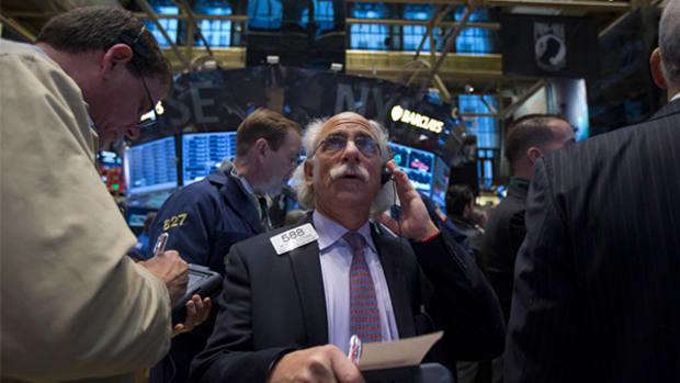 Staples (SPLS) Stock Stumbles on Anticipated Earnings Decline