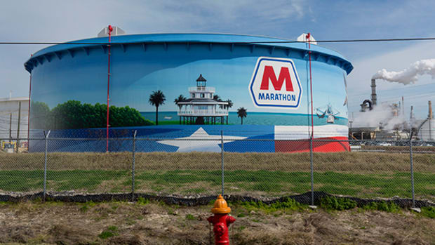Marathon Petroleum Speeding up Asset Transfer, Beats Fourth-Quarter Estimates